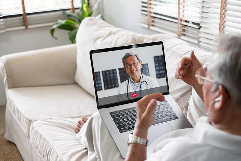 patient online with doctor